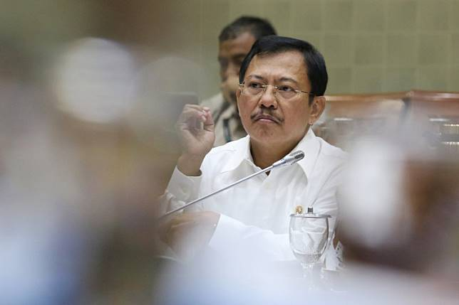 Health Minister Terawan Agus Putranto attends a working meeting with the House Commission IX in Senayan, Central Jakarta, on Feb. 3.