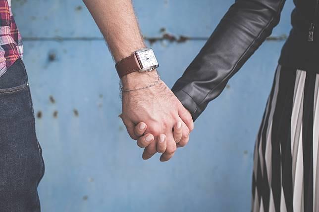 ▲很多人都認為感情應該循序漸進,但是根據研究發現,先交往再性愛的順序竟然可以完全相反!(示意圖/取自 Unsplash )
