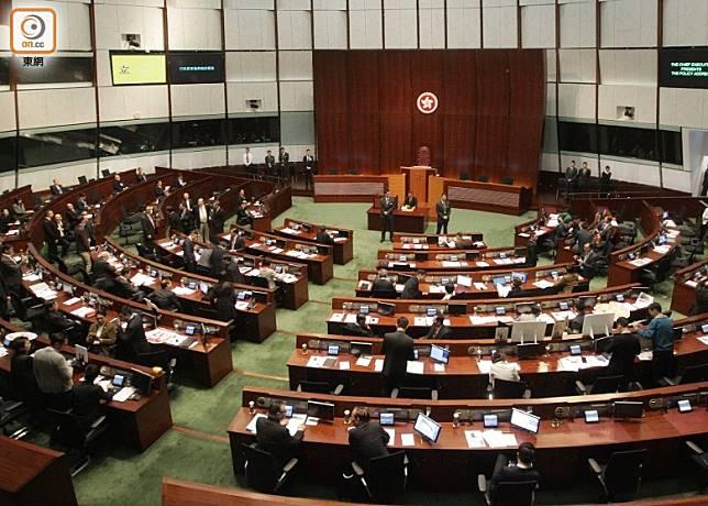 立法會大會將於明天早上召開。