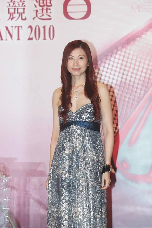 楊寶玲喺國際選美攞個唔少獎。