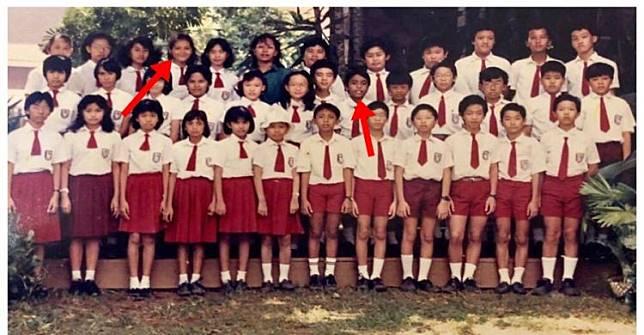 Dua anak SD di foto jadul ini sekarang jadi seleb terkenal, siapa ya?
