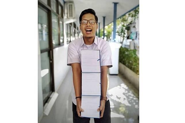 Muharom Gani Irwanda, mahasiswa ITS yang mendadak viral gara-gara bisa mengerjakan skripsi setebal 3.045 halaman dalam waktu 3 minggu aja