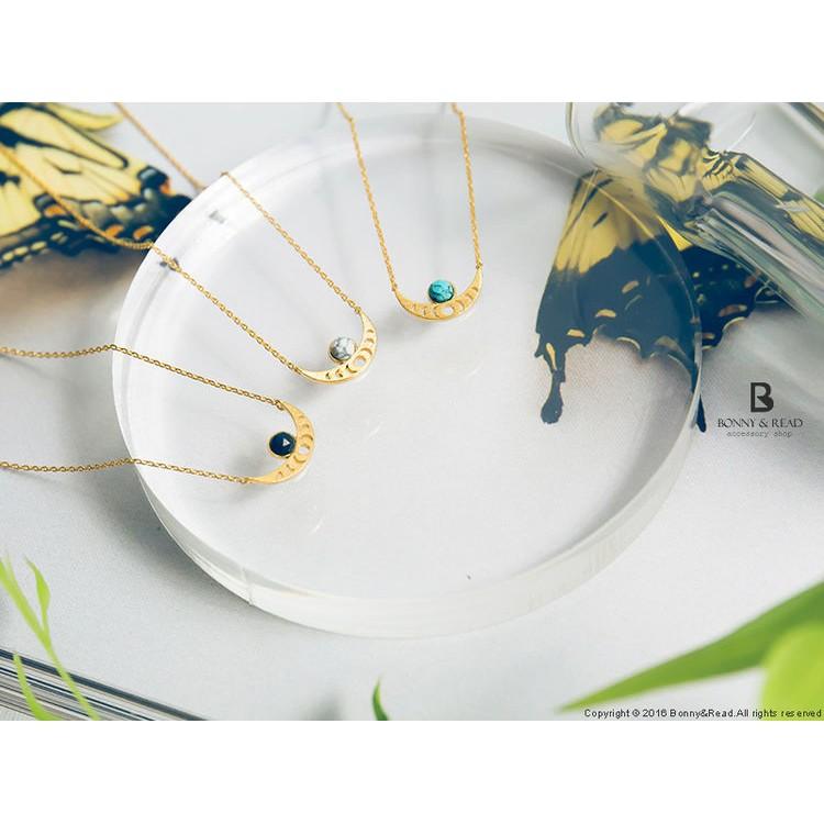 Bonny & Read 飾品 蝦皮官方商● 商品皆為實際拍攝● 商品材質:合金 / 銅● 項鍊SIZE總長約:44.8 cm● 墜飾SIZE長寬約:1.5 cm x 0.9 cm● Made In