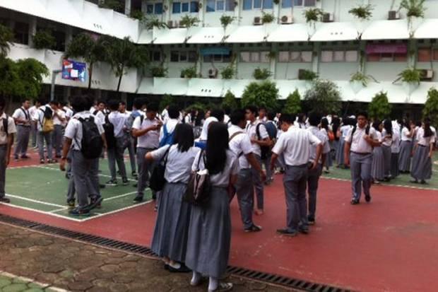 Ditolak Sistem Zonasi, Siswi Berprestasi Pesimistis Masuk SMA Negeri dari Jalur Prestasi