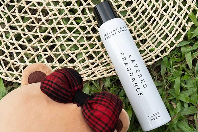 出開香水的Layered Fragrance今年亦推出了防曬品UV energy spray SPF 50 PA++++($135/100g),特別建議了用家向頭部噴灑,讓微細的粒子進到頭皮,達至防禦功效,髮絲同時會散發出陣陣香氣。