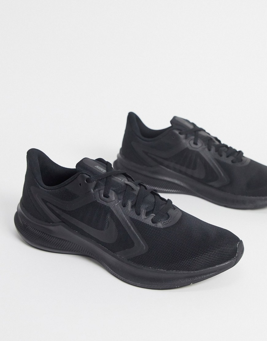 Trainers by Nike This item is excluded from promo Lightweight, padded design Lace-up fastening Padde