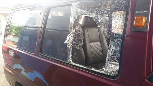 Ilustrasi tindak kriminalitas pecah kaca mobil