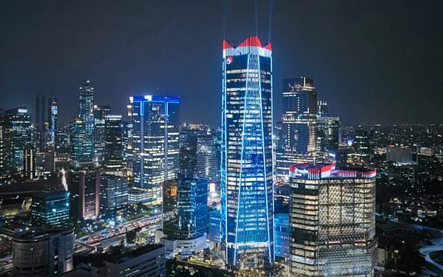Pendar cahaya dari lampu gedung Telkom Landmark Tower, kawasan Gatot Subroto, Jakarta Selatan./tlt.co.id