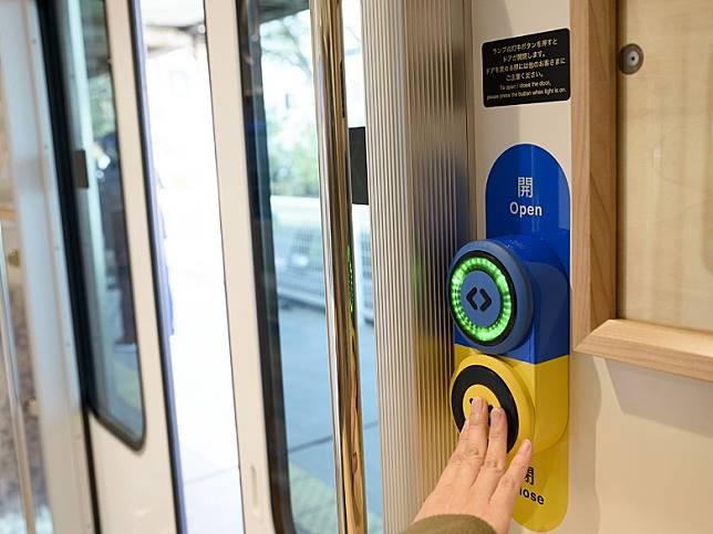 特設開關掣的Smart Door,開門關門乘客自己話事。(互聯網)