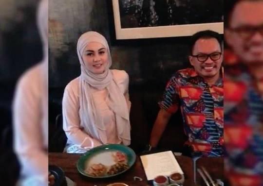 Videonya Viral, Netizen Puji Kecantikan Jennifer Dunn Setelah Berhijab