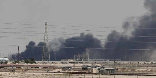 kilang minyak arab saudi terbakar. ©2019 REUTERS/Stringer