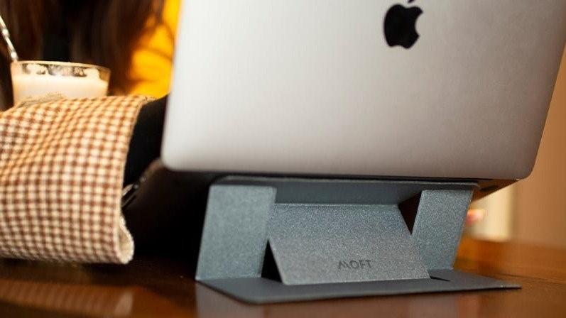 一秒變身,輕便耐用~美國專利隱形筆電支撐架!