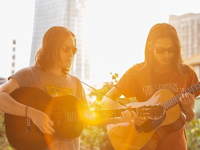 Selina and Sirinya: นักดนตรีโฟล์กผู้หลงใหลธรรมชาติและการบันทึกประสบการณ์ผ่านเสียงเพลง