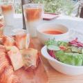 季節のスープとパンの盛り合わせセット - 実際訪問したユーザーが直接撮影して投稿した西原ベーカリーBoulangerie et Cafe Main Manoの写真のメニュー情報
