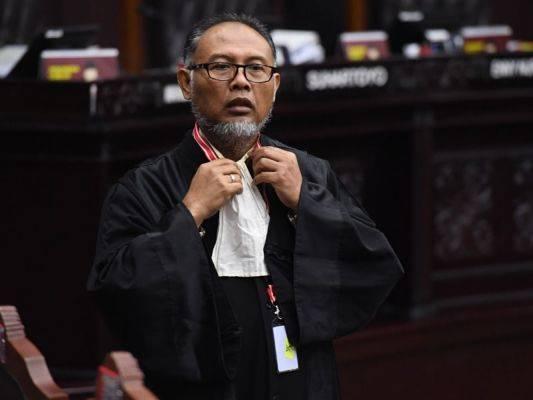 Ketua Tim kuasa hukum pasangan calon presiden dan calon wakil presiden nomor urut 02 Bambang Widjojanto.
