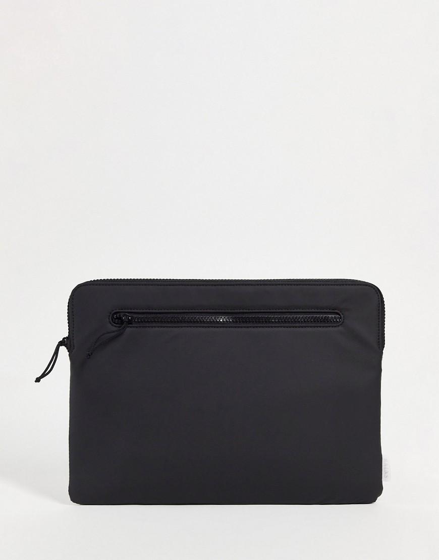 Rains 1649 zip top 13 inch laptop cover in black