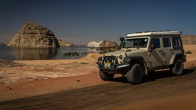 Pria Ini 1.000 Hari Bertualang di Afrika dengan Jeep Wrangler Rubicon