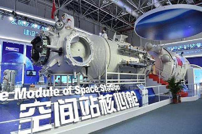 Stasiun luar angkasa Cina Tiangong-2.[Popular Mechanics]
