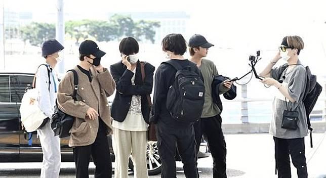 防彈少年團昨日出發赴海外。