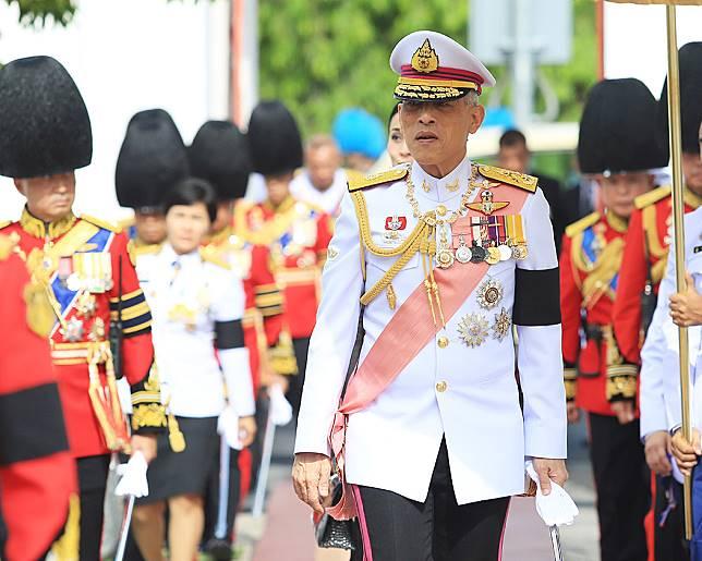 ในหลวง-พระราชินี ทรงบำเพ็ญพระราชกุศล 50 วัน พระราชทานศพ