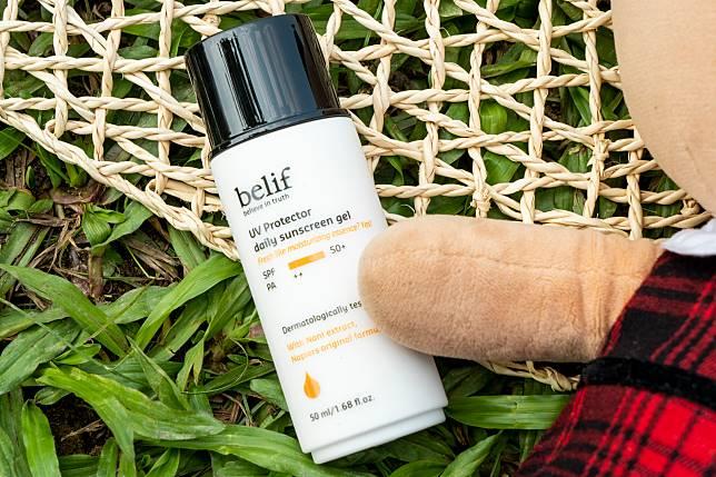 以擁有PA++的Belif UV protector daily sunscreen gel($285/50ml)為例,如果皮膚本身10分鐘就會曬黑,產品就可把時間延長4至8倍,即是大約40至80分鐘才會曬黑。
