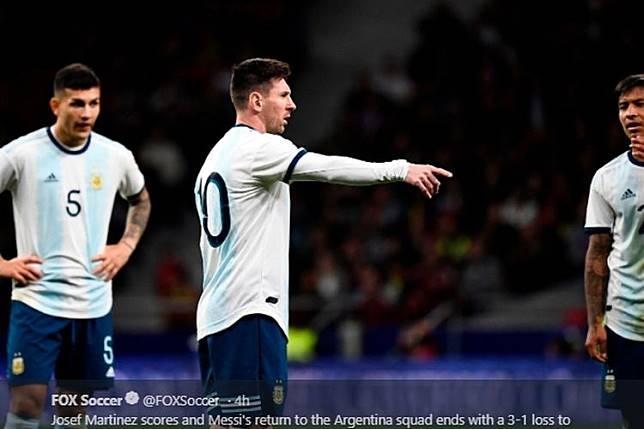 VIDEO - Aneh, Timnas Argentina Kebobolan Tendangan Penalti Melompat