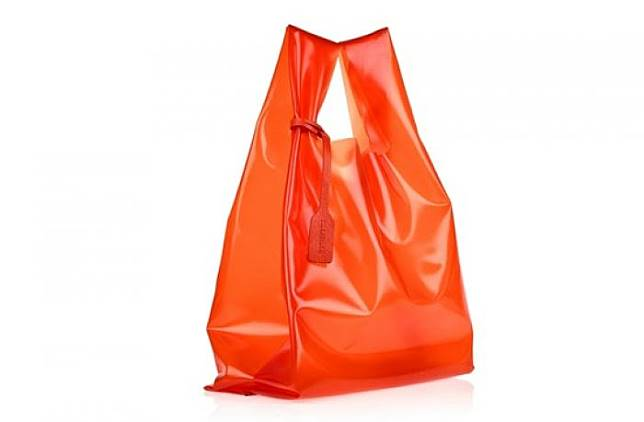 Tas Plastik Ini Harganya 8 Juta! Minat Beli  Berikut 5 Jenis Tas Plastik  Branded Termahal 6dbcd0f9c7