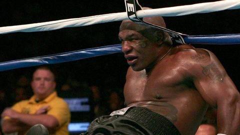 Mike Tyson Sempat Berpikir Bisa Kalahkan Dewa
