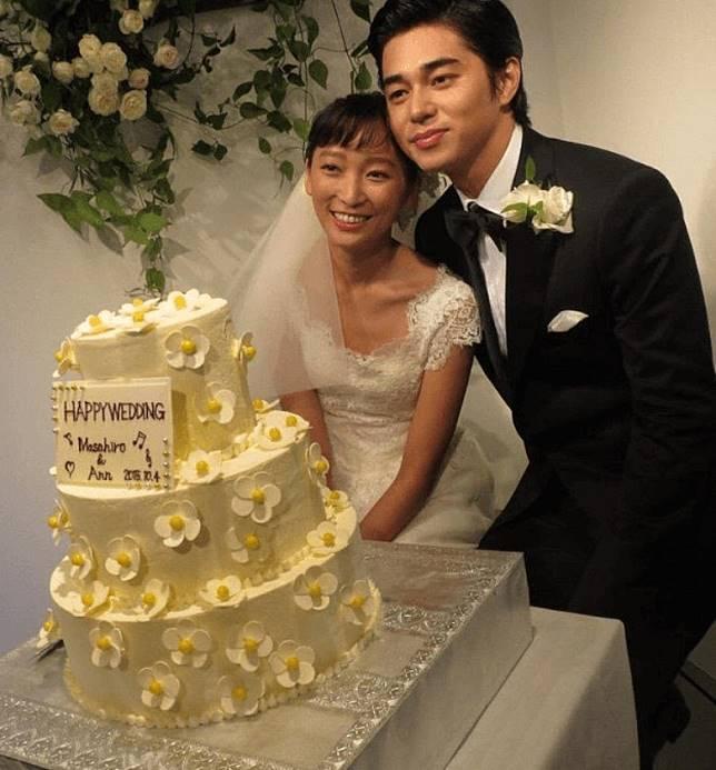 東出昌大與渡邊杏曾是娛圈中的恩愛夫婦。
