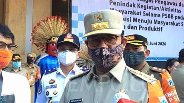 PSBB Transisi, Anies Baswedan Terjunkan TNI-Polri Jaga Pasar