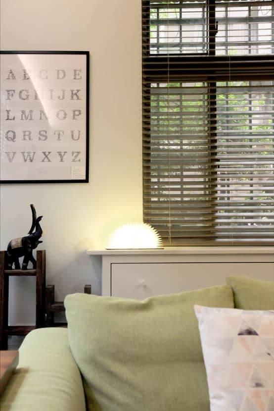 低調的木質系百葉窗
