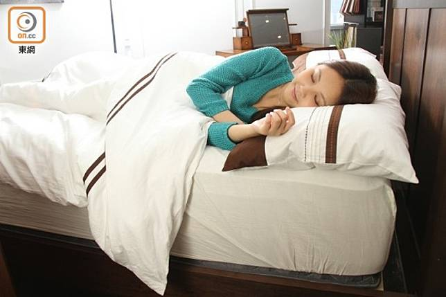 牛奶含有色胺酸,故睡前飲用的確能更容易入睡。(資料圖片)