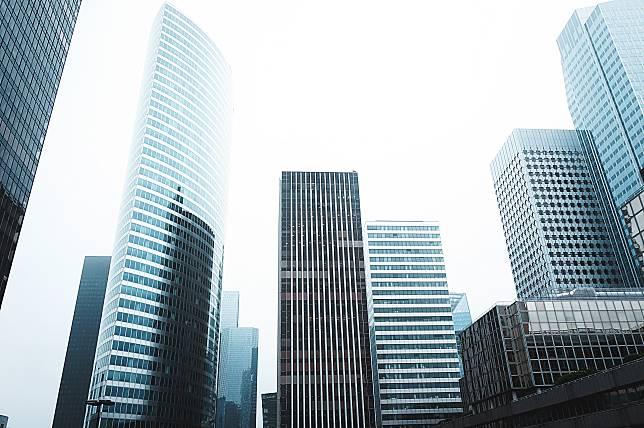 ▲有網友提問為何大樓建案的低樓層很快就被秒殺售出?(示意圖,非當事房/取自 Unsplash )