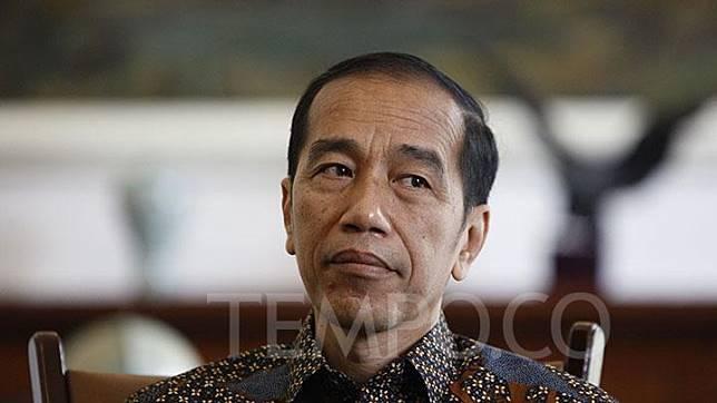 Presiden Jokowi saat menunggu kedatangan Penasihat Hubungan Luar Negeri Presiden Republik Rakyat Tiongkok (RRT), Song Tao, di Istana Kepresidenan Bogor, Jumat, 20 September 2019. TEMPO/Subekti.