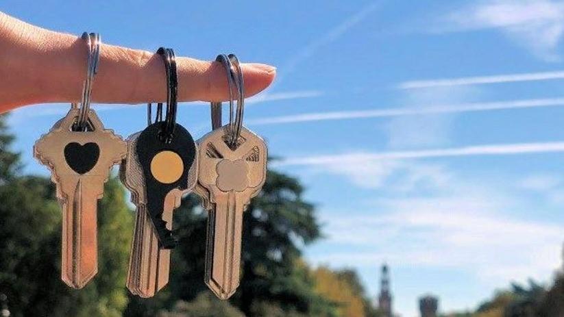 總是找不到鑰匙?神奇「自動收納鑰匙圈」拯救你的金魚腦