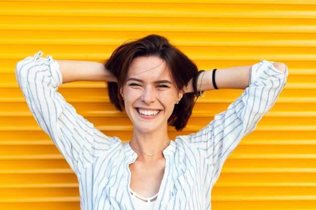 Selain Bikin Awet Muda, Ini Manfaat Tersenyum Setiap Hari