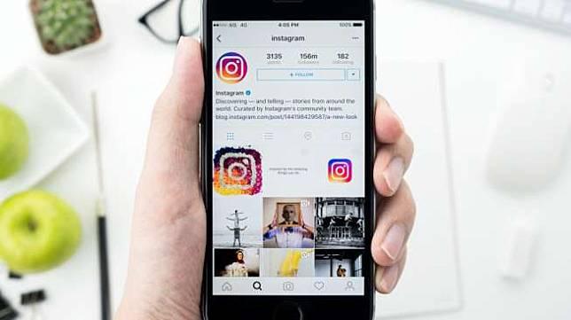 Ilustrasi Instagram di smartphone. [Shutterstock]