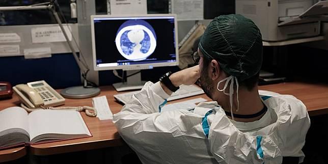 Studi Temukan Pasien Kanker Lebih Rentan Terinfeksi Corona