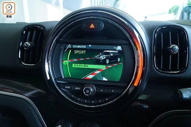 選用Sports駕駛模式,引擎和油門都變得更敏銳,喉聲更響。(莫文俊攝)