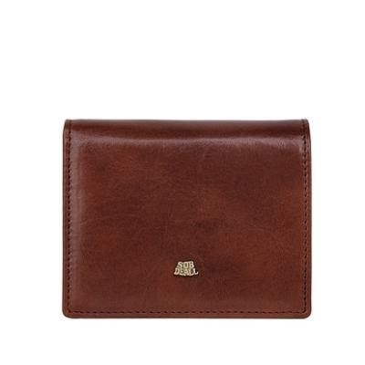 一手掌握的小尺寸置入各尺寸包款 造型簡單素雅植鞣革最天然的韻味 內有拉鍊零錢袋設計保有輕巧感