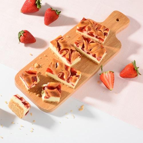 品名:亞尼克起司磚-草莓內容物:奶油起司/草莓果餡/碎餅乾底成份:乳酪、蛋、砂糖、日本麵粉、日本奶霜[牛奶、棕櫚仁油、糊精、酪蛋白、乳糖、乳化劑(脂肪酸甘油酯、大豆卵磷脂、脂肪酸蔗糖酯)規格:7片/盒
