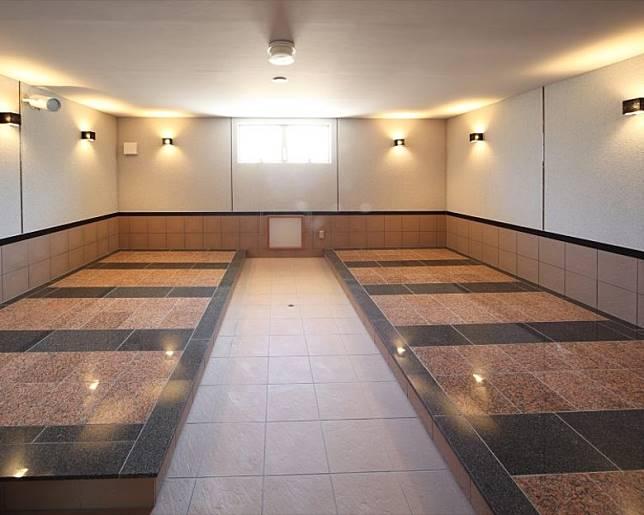 岩盤浴設施設有女性專用房,並有高濃度的水素水供飲用。(互聯網)
