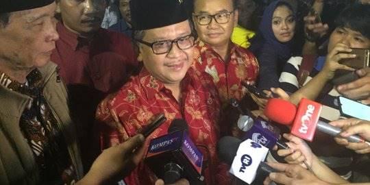 Sekjen PDIP Hasto Kristiyanto di Tugu Proklamasi. ©2019 Merdeka.com