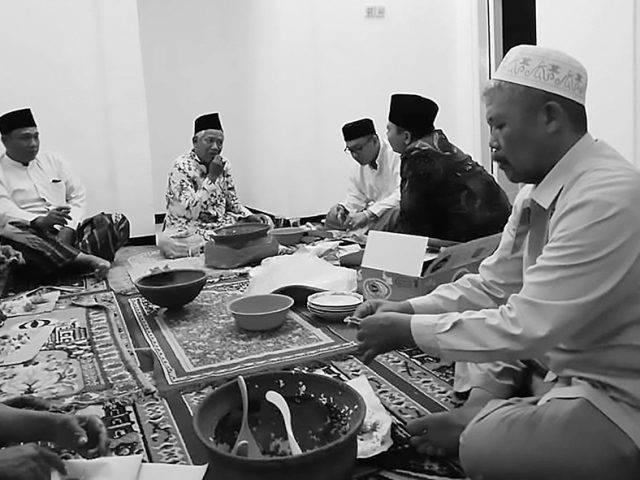 Tradisi Brahatan di Mojokerto, Kupat-Lepet Pererat Silaturahmi