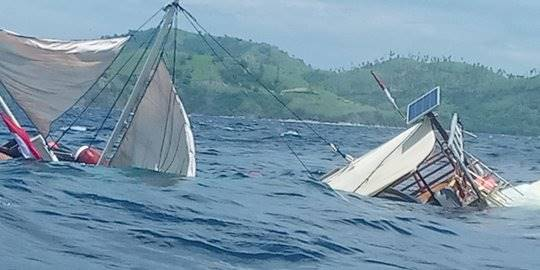 Kapal terbalik di Labuan Bajo. ©Istimewa