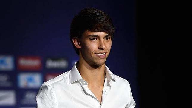 Senyum Joao Felix Saat Diperkenalkan Jadi Pemain Atletico Madrid