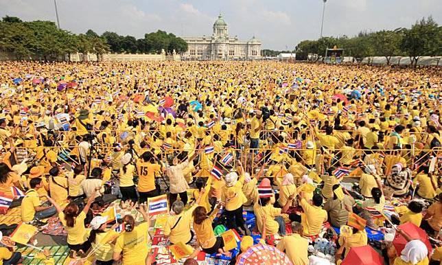 'วิษณุ'ชวนคนไทยใส่เสื้อเหลืองเฝ้าฯรับเสด็จงานพระราชพิธีบรมราชาภิเษก 4-6 พ.ค.