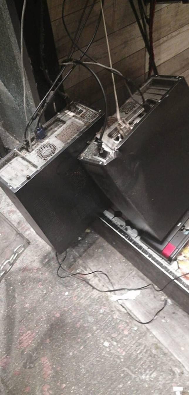 電腦主機跌在地上。(互聯網)