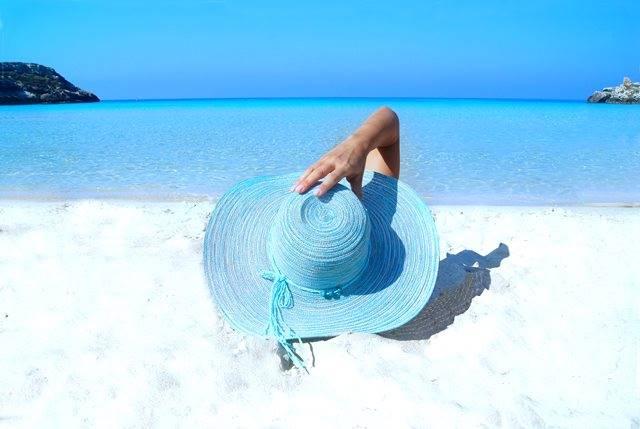 Sesuaikan keperluan sunscreen wajah dan tubuh, karena kedua sunscreen tersebut berbeda. (Foto: Pexels.com)