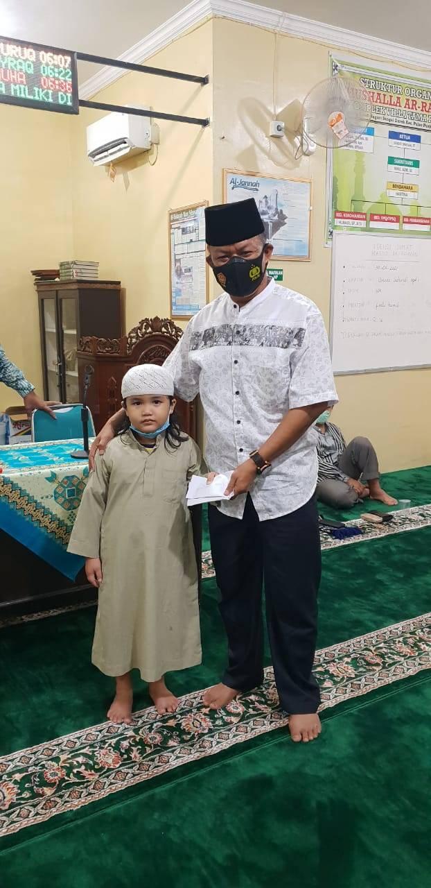 Gelar Bukber, Warga Komplek Villa Tama Perdana Santuni Anak Yatim